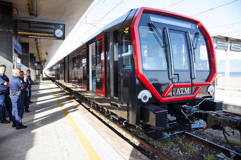 In Viaggio Verso Milano Il Nuovo Treno Della Metro Atm