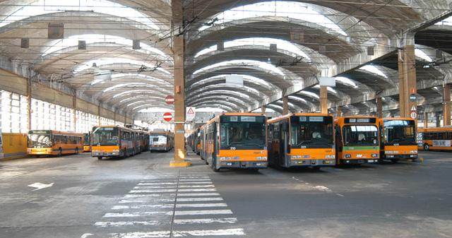 Depositi atm azienda trasporti milanesi for Interno autobus